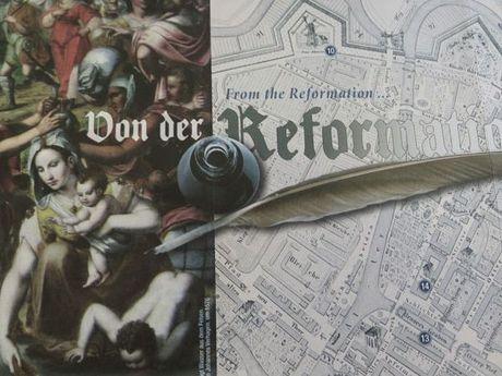 Zu sehen ist eine Zeichnung und eine gezeichnete alte Stadtkarte von Emden