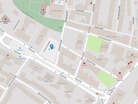 Zu sehen ist ein Kartenausschnitt von Open Streetmap, welcher den Standort des ParkplatzesFrickensteinplatz anzeigt