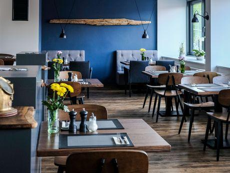 Zu sehen ist der Restaurantbereich vom Lekkerpott in Emden