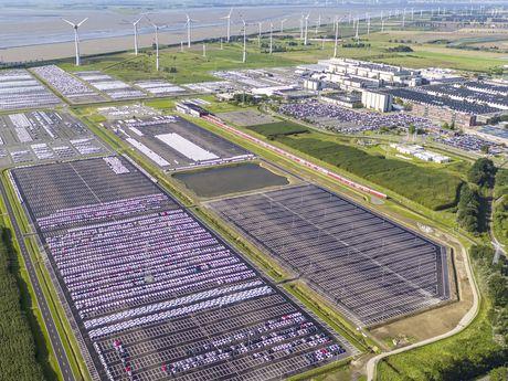 Zu sehen ist eine Luftaufnahme des VW Werkes in Emden