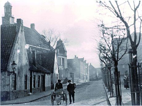 Zu sehen ist eine historische Aufnahme der ehemaligen Judenstraße