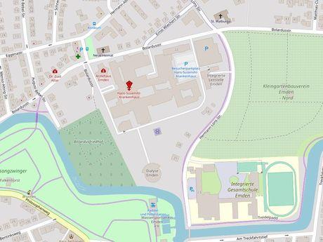 Zu sehen ist ein Kartenausschnitt von Open Streetmap, welcher den Standort des Behindertenparkplatzes in der Straße Bolardusstraße anzeigt